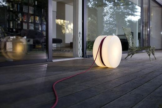 Lampe d exterieur YoYo Authentics blanc baladeuse design