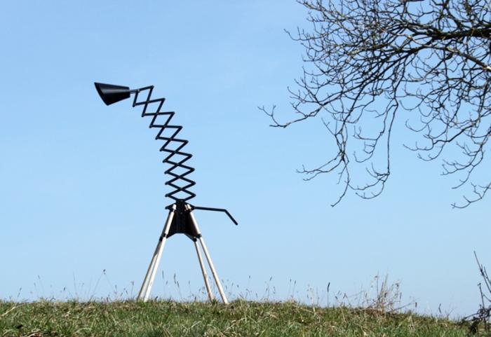 Nedgis-Giraffe-Floor-Lamp-Bernhard-Burkard-3