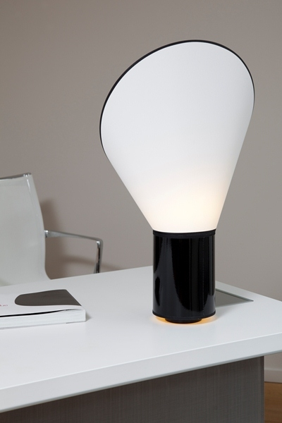 Lampe de bureau Cargo Designheure Nedgis noir blanc contemporain fabrication francaise