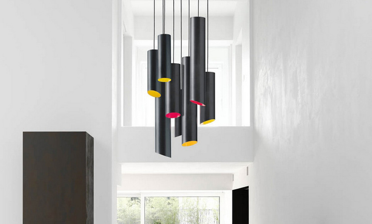 Design et color e karboxx maison italienne de luminaire cr e en 2005 a d j tout d une grande for Luminaire multi suspension colore enfant