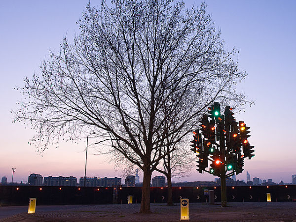 arbol-semaforo-londres-noche