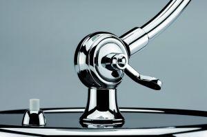 Christian-Dell---Lampe-de-Table-6631-Kaiser-Idell-Noire Pied