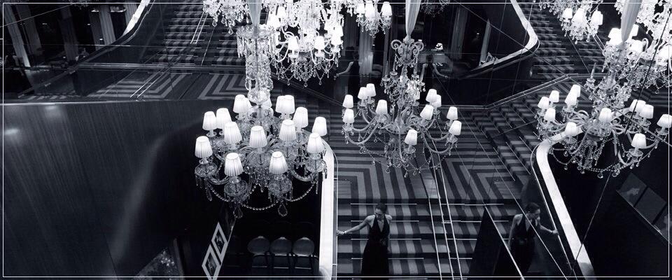 Palace Royal Monceau décoré par le designer Philippe Starck-lustre extraordinaire