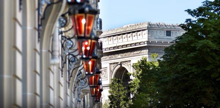Palace Royal Monceau décoré par le designer Philippe Starck-Paris arc de triomphe