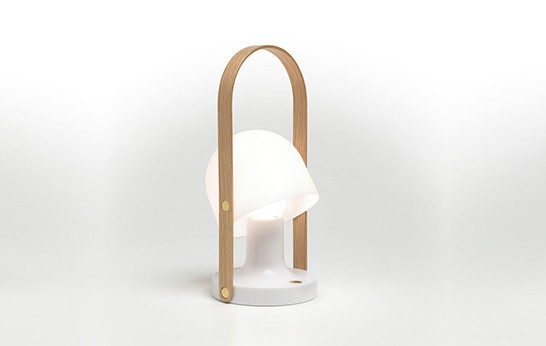 Follow-Me-lamp-by-Marset_BALADEUSE SANS FIL