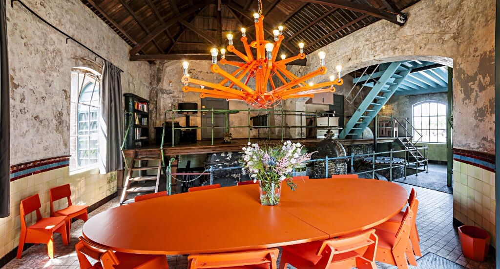 Hotel hollande mobilier luminaire industriel lustre orange exceptionnel