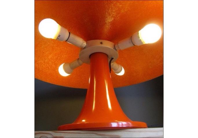 lampe nessino artemide orange design lampe de bureau lampe a poser