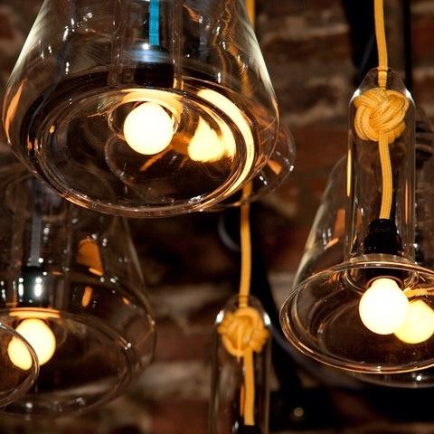 lustre en verre colore vitamin design anglais pepsi salle a manger