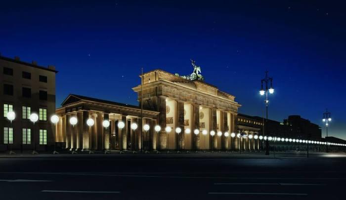 8000 ballons lumineux pour celebrer les 25 ans de la chute du mur de berlin