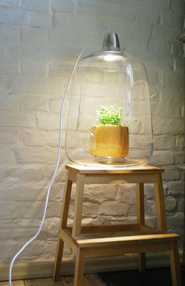 une lampe porte plante led la suspension milo de chez lightovo va vous s duire. Black Bedroom Furniture Sets. Home Design Ideas