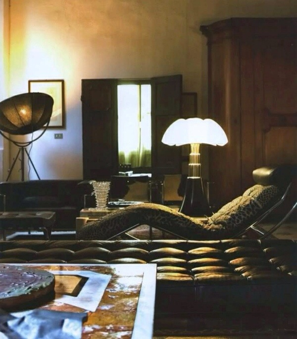 la lampe pipistrello de gae aulenti a 50 ans. Black Bedroom Furniture Sets. Home Design Ideas