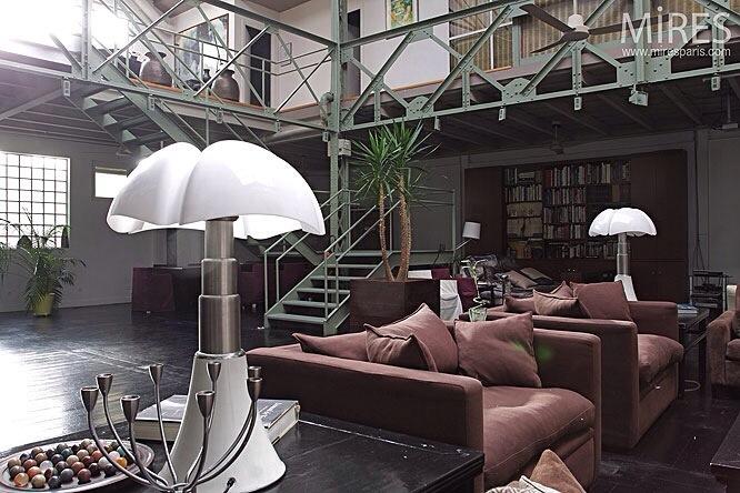Lampe pipistrello blanche Gae Aulenti Matinelli Luce luminaire design italien