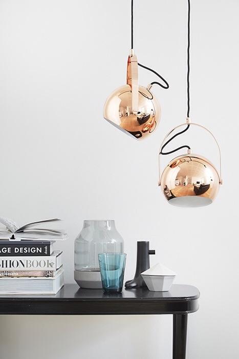 suspension orientable design scandinave frandsen lighting cuivre ball