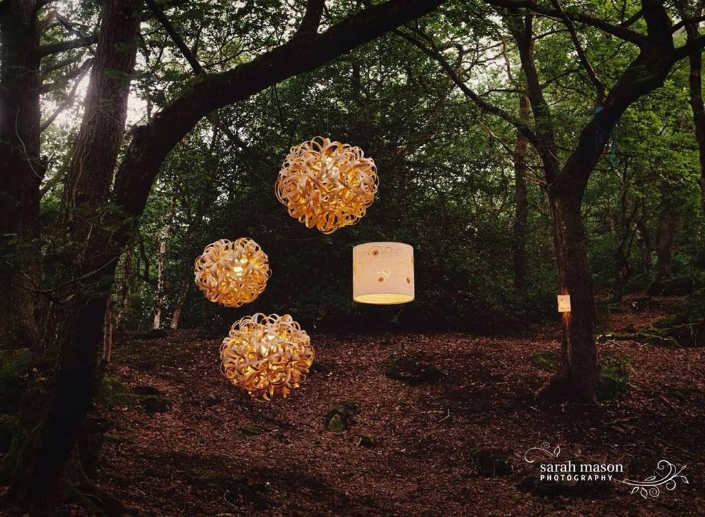 Tom raffield, eco design, luminaire bois fait main, lustre