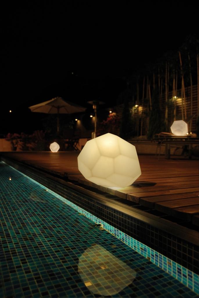 Lampe à poser Asteroid, Blanc, Intérieur et jardin - Innermost, Koray Ozgen - Nedgis