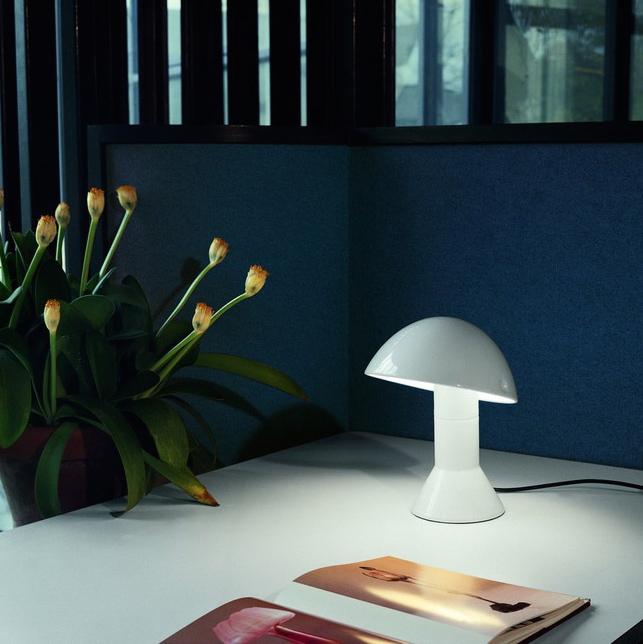 Intemporelle… La Martinelli De Et Une Lampe Elmetto Chevet Design Nmn0v8w