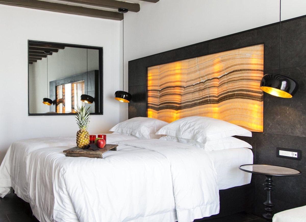 les 10 plus belles lampes de chevet une s lection contemporaine pour votre chambre. Black Bedroom Furniture Sets. Home Design Ideas