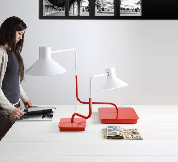 Lampe de bureau rouge et blanc Sisters de Zava