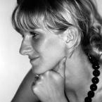 La designer Corinna Warm
