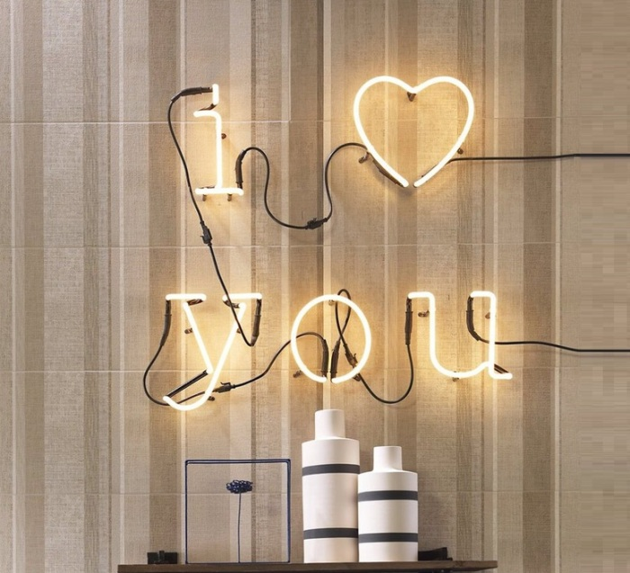 APPLIQUE MURALE, NEON ART, I LOVE YOU + TRANSFORMATEUR, BLANC BRILLANT, H17CM - SELETTI