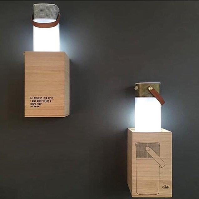 Musique et lumière combinés avec la lampe haut-parleur Kreafunk...