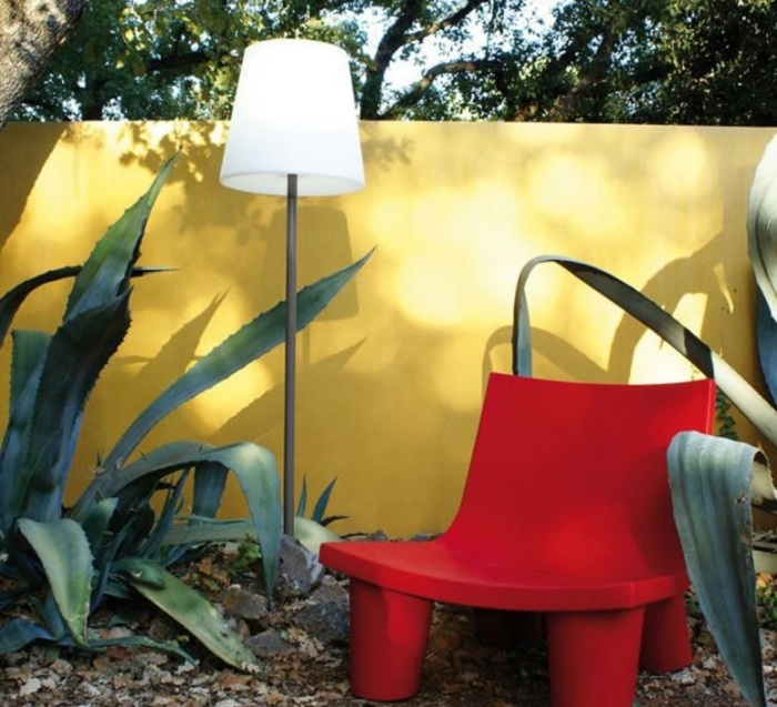 C'est le retour de l'été : illuminez vos extérieurs avec les lampadaires design !
