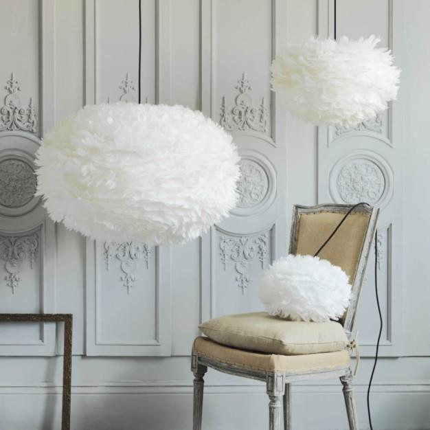 Les suspensions en plumes, des luminaires poétiques pour un intérieur cosy et plein de douceurcet automne !
