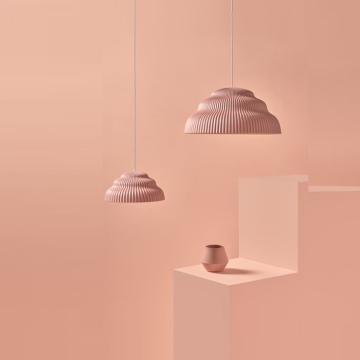 Un intérieur tendance pour l'automne grâce aux luminaires teintes blush !
