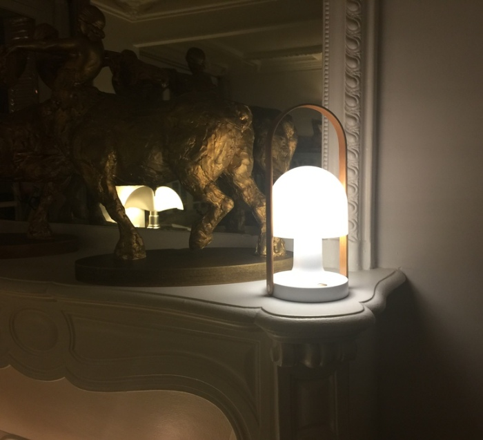 J-18 : L'indispensable lampe FollowMe, de Marset