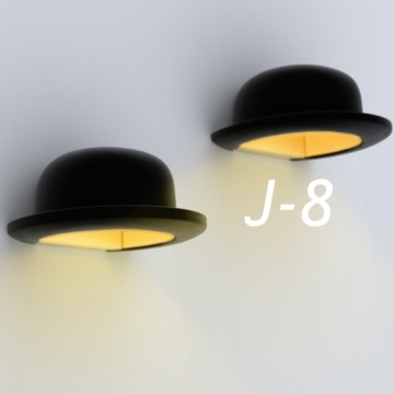 J-8 : Applique murale Jeeves, de Innermost