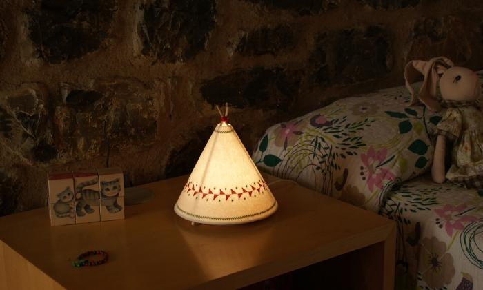 LAMPE À POSER, TIPPI, BLANC, ROUGE, LED, Ø20,5CM, H22CM - BUOKIDS