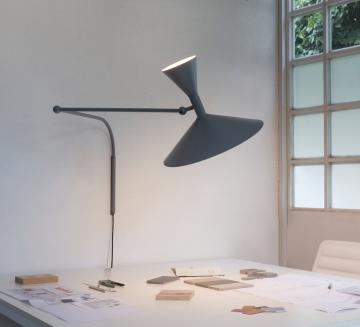 Pour une décoration illuminée et typée, essayez les luminaires de forme conique !