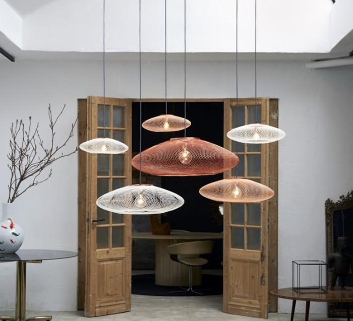 Zoom sur les luminaires futuristes du studio Atelier Robotiq…