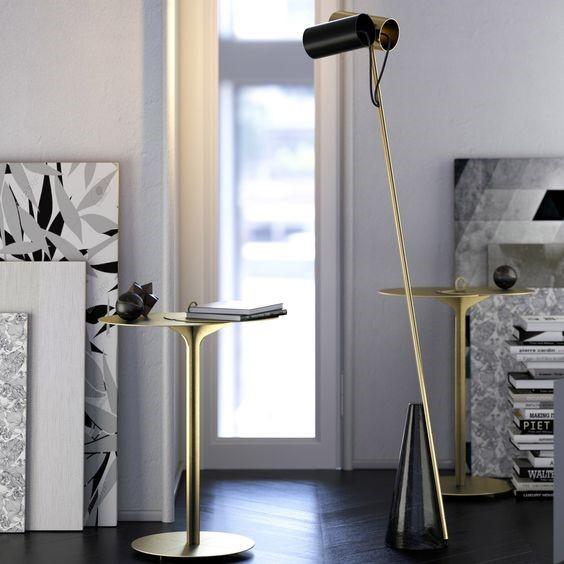 Ce trio de designers choisit de dessiner et de fabriquer des luminaires minimalistes et contemporains, qui se caractérisent par des formes géométriques et des combinaisons de matériaux inhabituelles. Chaque création tend à un style architectural. Lustres, lampadaires, lampes à poser ou suspensions, ils remplissent à la fois la fonction éclairante, et décorent aussi à merveille tous les styles d'intérieur et en particulier les lieux offrant une belle hauteur sous plafond pour leurs suspensions. Découvrez leurs sculptures lumineuses…