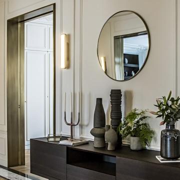 Une histoire familiale pour la passion du bronze et de l'albâtre à travers la maison française Entrelacs…