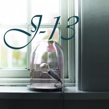 J-13 : Décorez vos fenêtres en exploitant les moindres rebords !