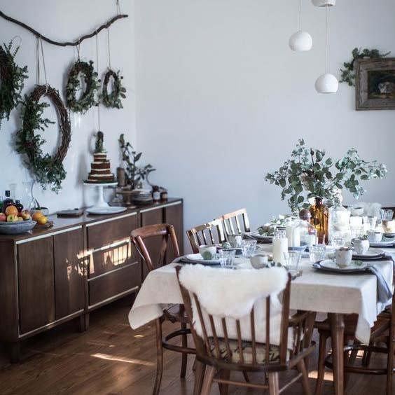 J-3 : Du sol au plafond, la salle à manger montre ses plus belles couleurs !