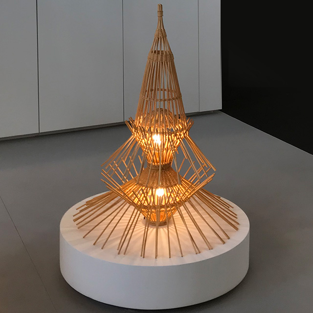 LAMPE À POSER, AR65, ROTIN, Ø70CM, H96CM - DISDEROT