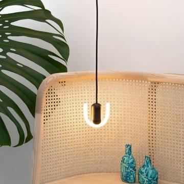 Partez à la découverte du design anglais avec la maison Beem et ses ingénieux luminaires néons Smile !