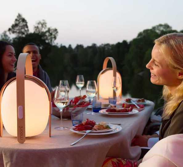 L'enceinte lumineuse Ovo Mini Speaker de la marque Mooni