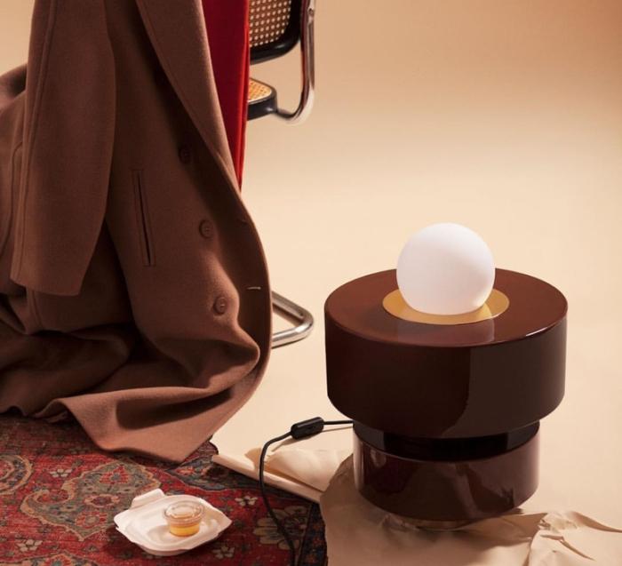 La lampe à poser Cognac de chez Haos
