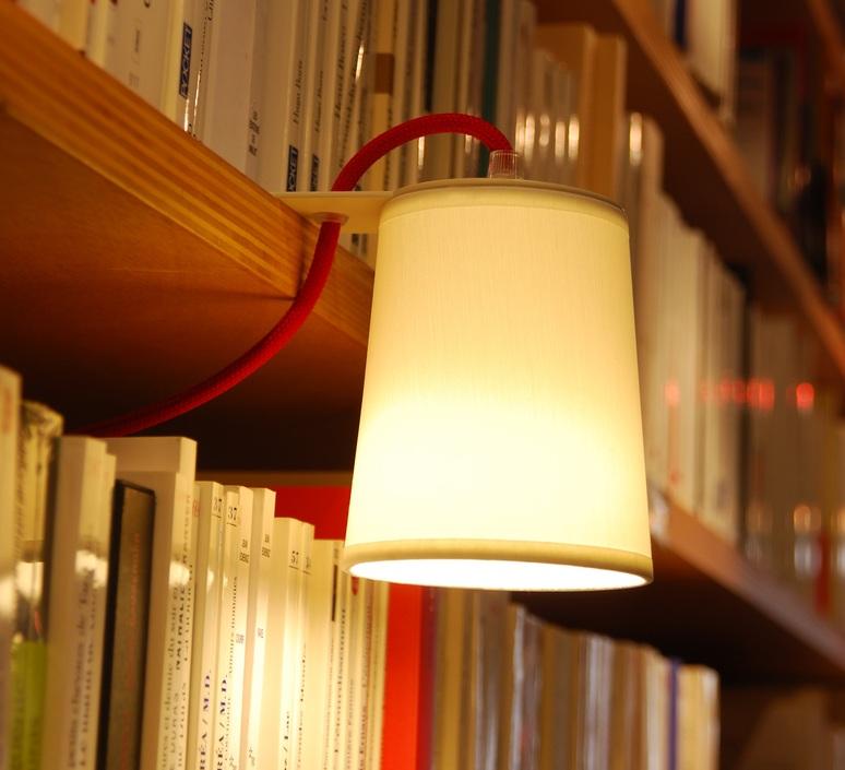 Conseil déco : comment bien éclairer sa bibliothèque ?